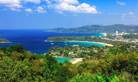 Вид на пляж Карон, Пхукет, Таиланд. Видовая площадка Ката Ной
