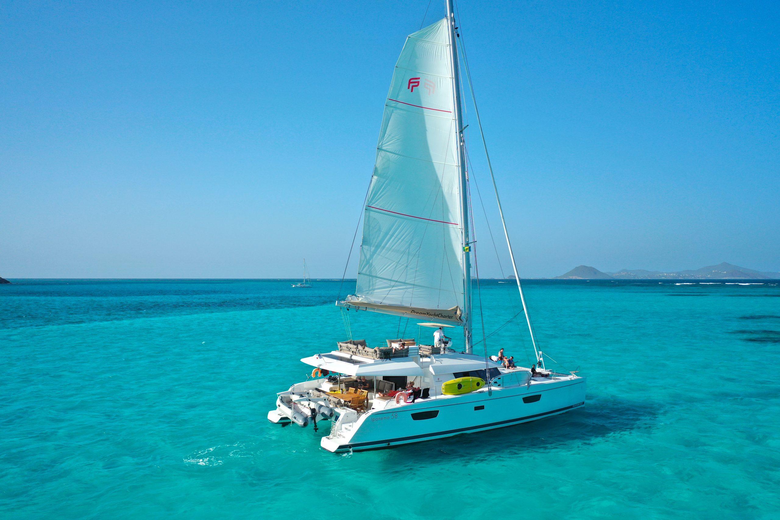catamaran sailing in Grenadines